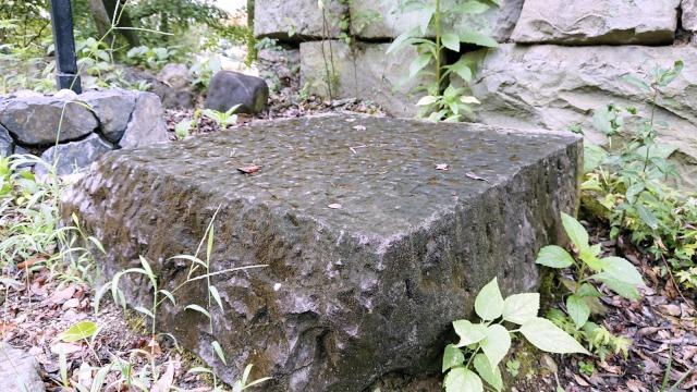 犬山城・矢来門の礎石