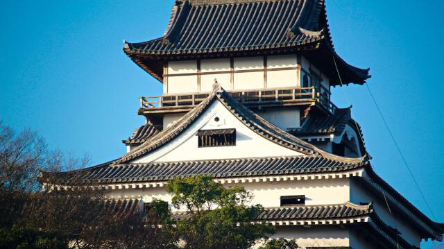 犬山城天守最上階の真壁造と大入母屋破風