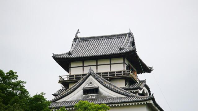 2017年(平成29年)8月4日。犬山城天守の破損したしゃちほこが取り除かれた。