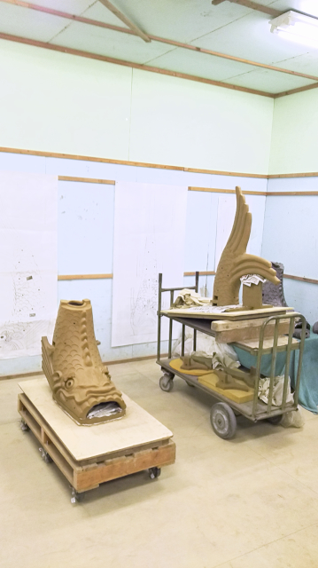 犬山城の新たに制作されたしゃちほこ。乾燥前