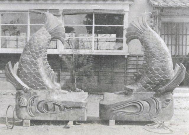 丸岡城の銅板張りのしゃちほこ