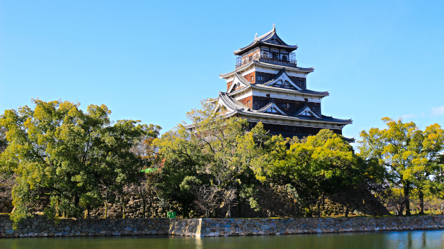 広島城外観復元天守